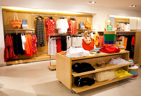 How Integrating Visual Merchandising in Retail Enhances Customer Relationship?