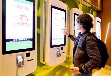 Advantages of Self Serve Kiosks for Retailers